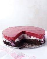 chocolate-berry-cake-des-0511med106942.jpg
