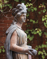 ornament-hollister-house-9349-md109020.jpg