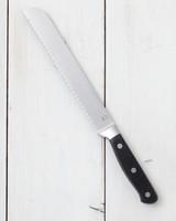 macys-bread-knife-web-0529-d112231-0515.jpg
