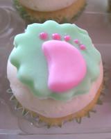 ugc_babyshower_cupcake_5395535_11791009.jpg