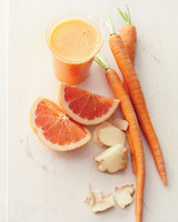 grapefruit-carrot-ginger-juice-mbd108052.jpg