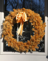 martha-christmas-2010-golden-wreath-1143.jpg