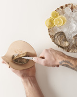 oyster-shuck-set-fathers-gift-guide-0517