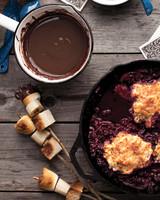 chocolate-fondue-029-f-0611mld106657-copy.jpg