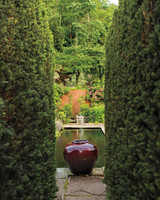 hedges-walls-hollister-house-9244-md109020.jpg