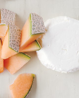 cantaloupe-goat-cheese-cheeseboard-md110117.jpg