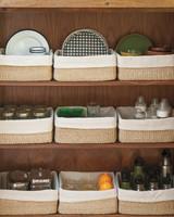 kitchen-cupboard-organization-011-mld109599.jpg
