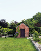 imperfect-lawn-hollister-house-8800-md109020.jpg