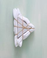 shibori-dyeing-itajime-triangle-bundled-0619