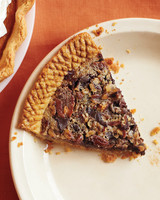 sorghum-sweetened-chocolate-pecan-pie-m109160.jpg