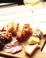 msl-our-finds-travel-charcuterie-0978-md109417.jpg