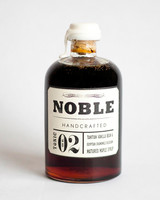 noble-handcrafted-vanilla-bean-maple-syrup-0914.jpg