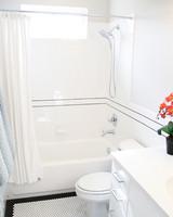 clean-dirtiest-parts-of-bathroom-floors-grout-0316.jpg