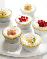 mb_1003_cheesecake_cupcakes_with_sour_cream.jpg