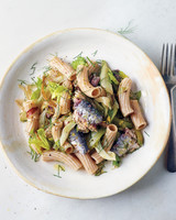 caramelized-fennel-celery-sardine-pasta-03-58797-md110320.jpg