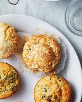 zucchini-gruyere-black-papper-muffin-savory-opener-350-d113047.jpg