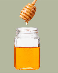 The Buzz-Worthy Health Benefits of Honey