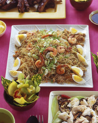 rice noodles with chicken pork and shrimp