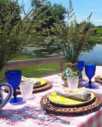 How to Set an Outdoor Table