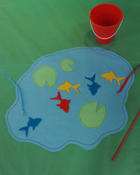 Dr. Seuss Magnetic Felt Fish Game