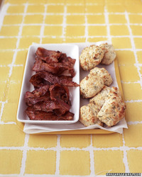 0504_edf_baconbiscuits.jpg