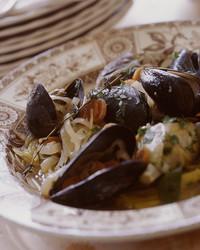 a97120_hqcb_sm_mussels.jpg