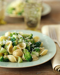 Emeril's Rigatoni with Broccoli and Sausage