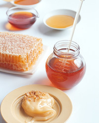 7 Buzz-Worthy Health Benefits of Honey