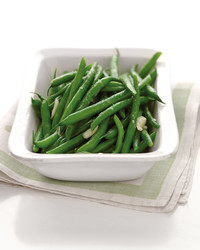 steamed green beans white dishsteamed green beans