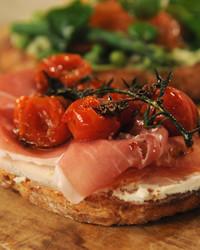 tomato-tartine-mslb7124.jpg