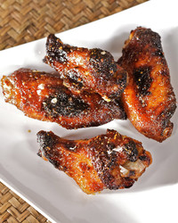 4132_051809_chickenwings.jpg