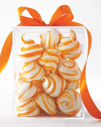meringue-swirls-md108637.jpg