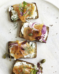 smoked salmon tartines