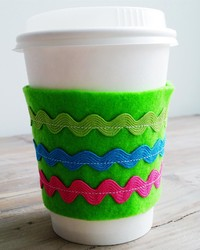 DIY Reusable Coffee-Cup Sleeve