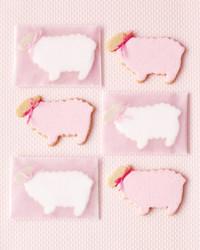 lamb-cookies-0511mld106104.jpg