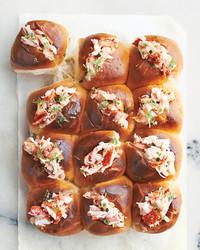 lobster-rolls-1300-d111358.jpg