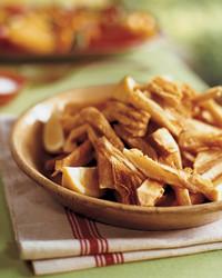yucca-chips-0705-mla100971.jpg
