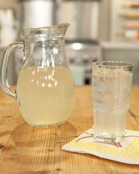 5131_040710_pineapple_drink.jpg