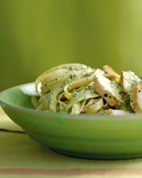 fd101470_0905_chicken_pesto.jpg