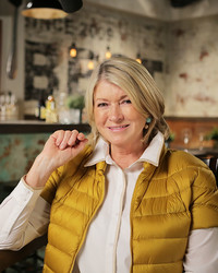 "Martha Makes a Cameo on ""The Best Thing I Ever Ate"" and Reveals Her Favorite Lunch Order"
