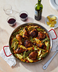 paella valenciana with chicken