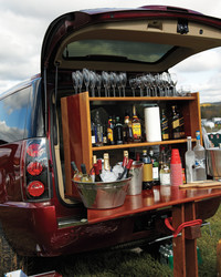 Party to Go: Tailgating Tricks for Traveling Fun