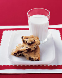 cookie-breakup-0104-mea100524.jpg