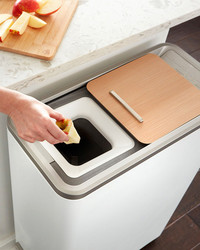 Turn Food Scraps Into Fertilizer in 24 Hours With This High-Tech Recycler