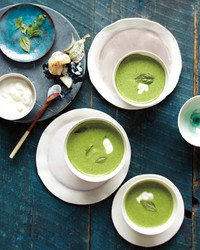 garlic-spinach-soup-mld107621.jpg