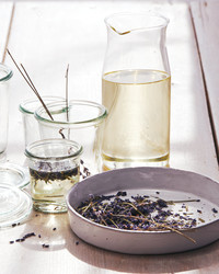 10 Natural Ways to Make Your Home Smell Like Spring