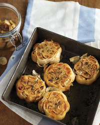 med105471_0410_roasted_garlic.jpg