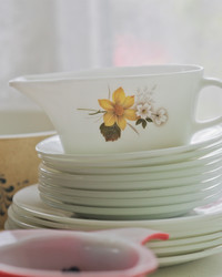 Hold Onto Your Vintage Pyrex!