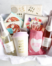 5 Cute Ideas for a Valentine's Day Gift Basket