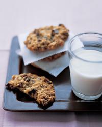 oatmeal-cookies-0105-mea101132.jpg